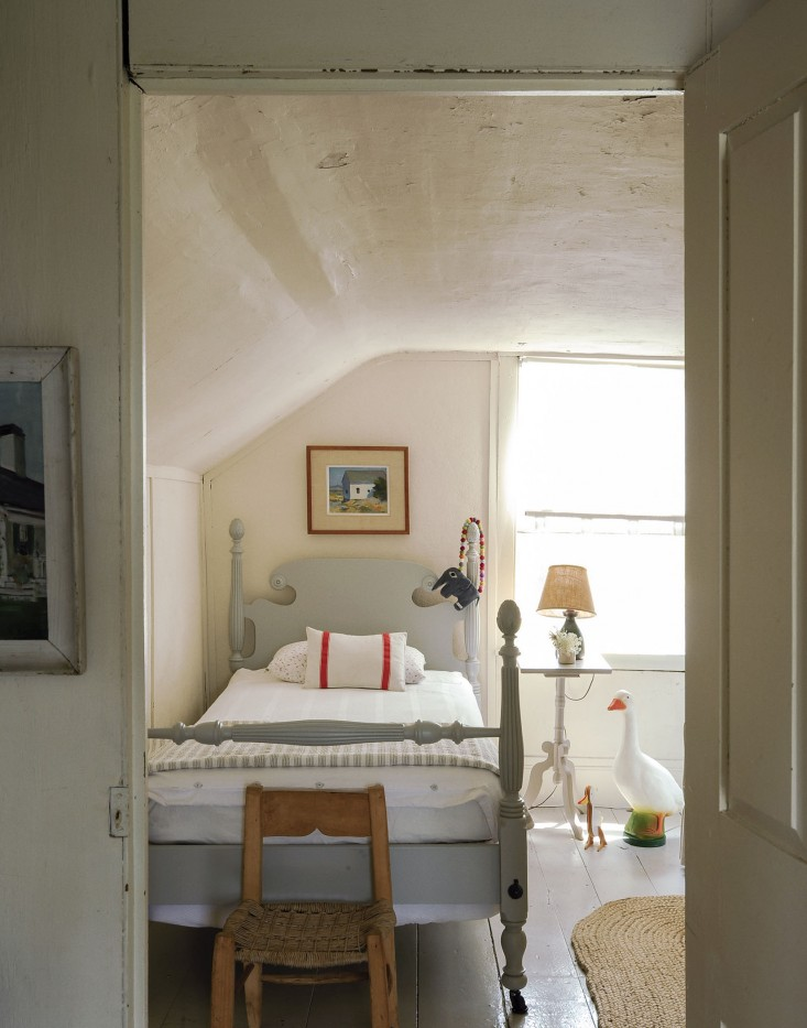 10 Things Nobody Tells You About Painting a Room White