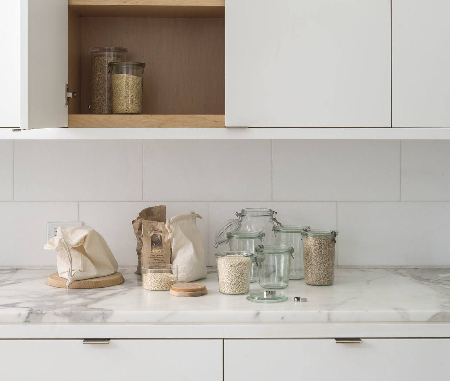 Trending on the Organized Home: Secrets to a Well-Lived Minimalist Life
