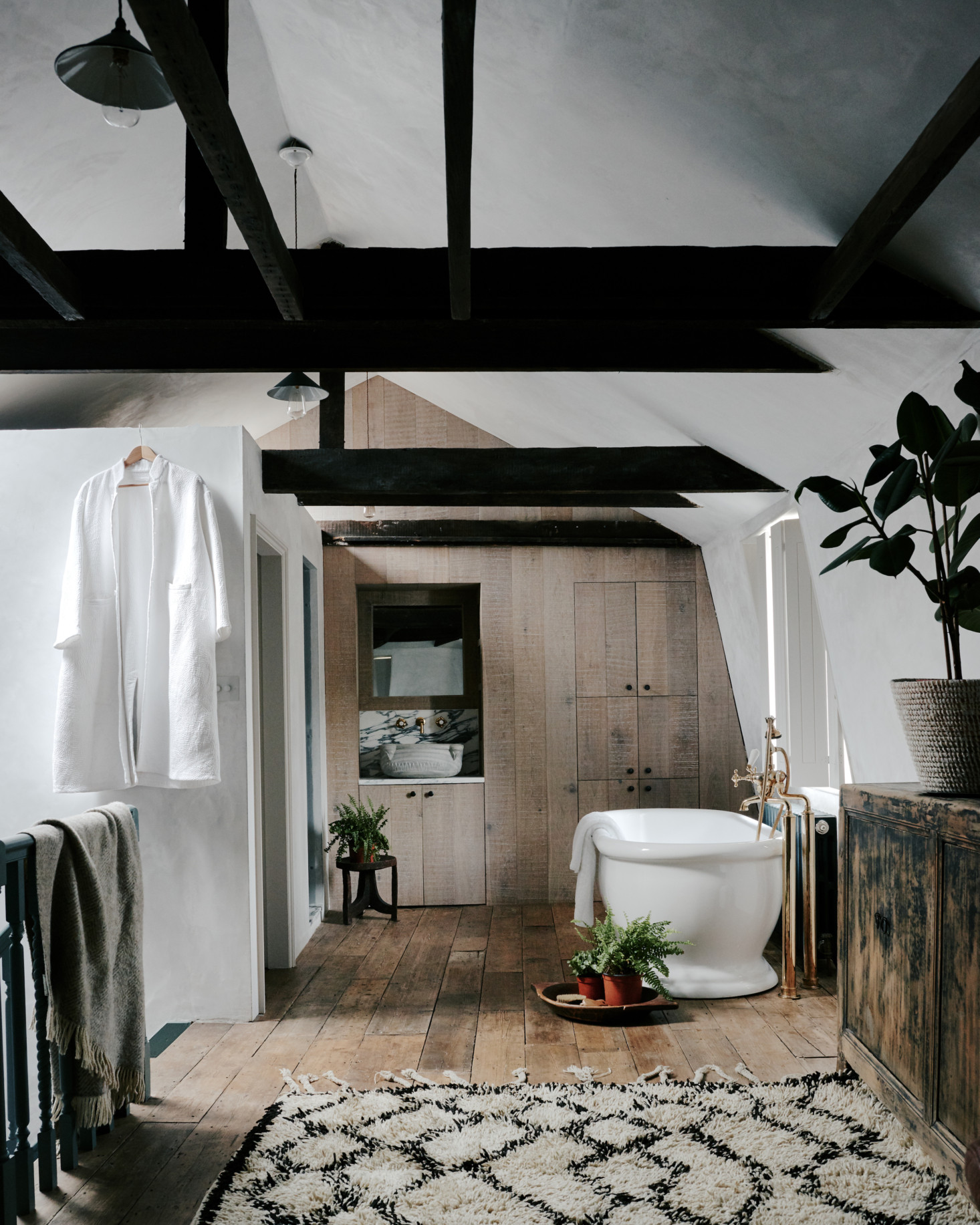 Steal This Look: Ensuite Bath Alcove in a London Renovation