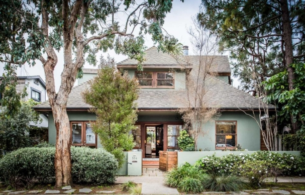 """Cheers"" TV Executive Producer's Home 
