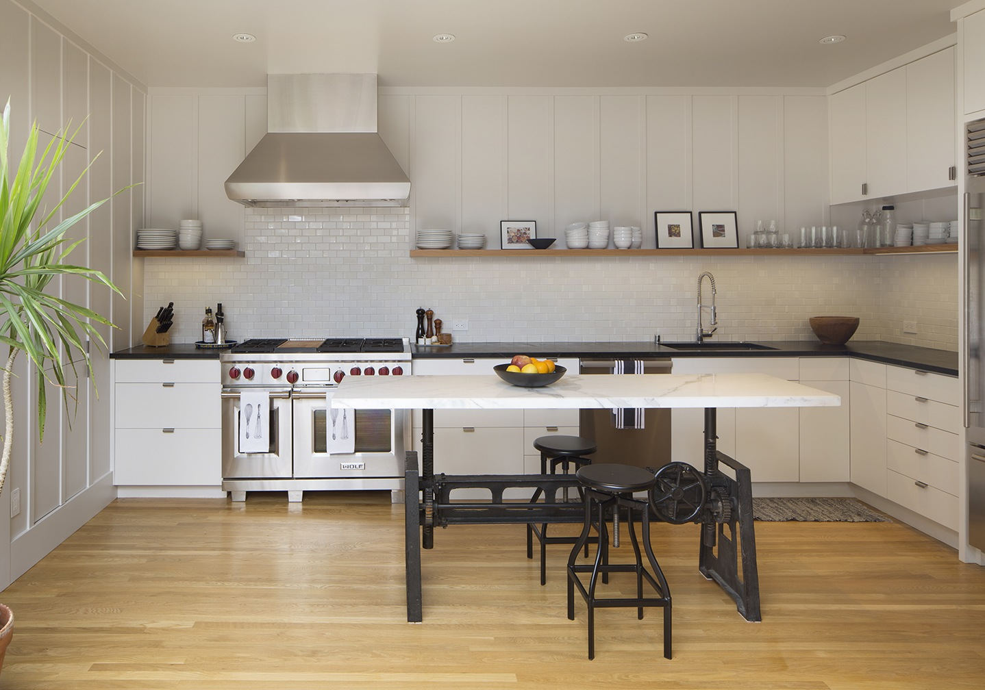 Kitchen of the Week: A Modern Farmhouse Kitchen in SF (Before and After)