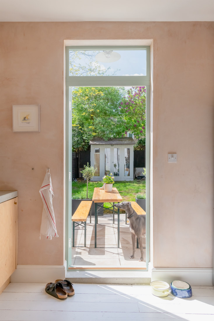 Steal This Look: A Simple Backyard Dining Pavillion in London