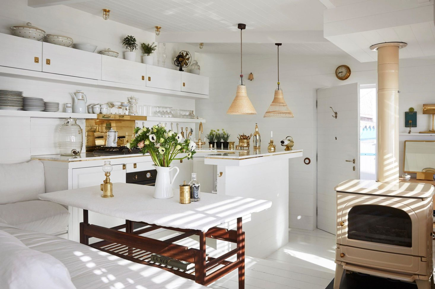 Steal This Look: A Tiny, Seaworthy Kitchen on the French Riviera