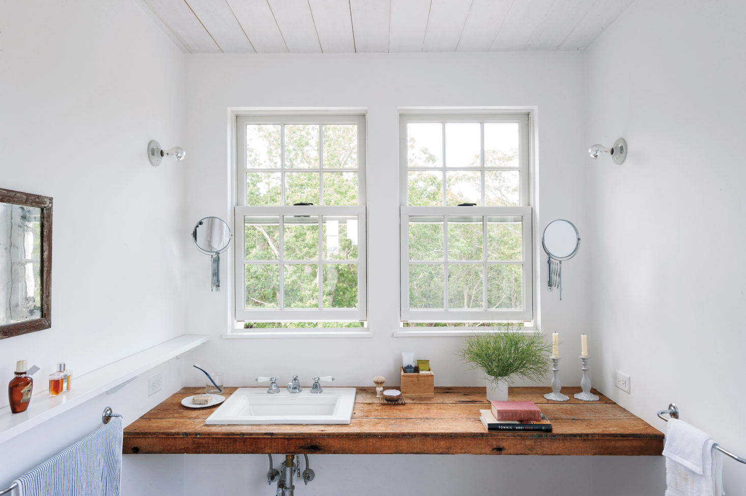 5 Baths with Simple, Artful Styling from the Remodelista Archives