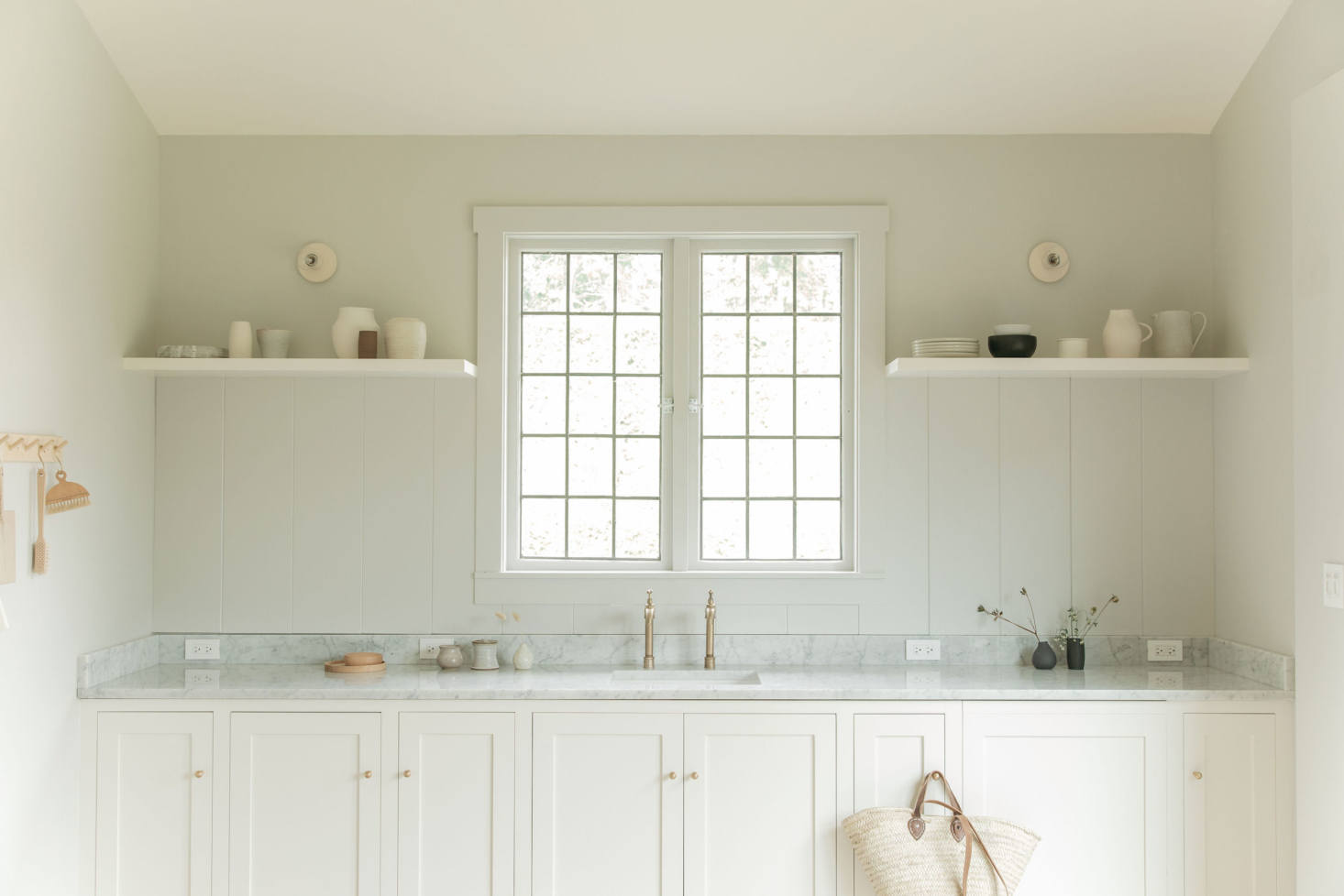 Kitchen of the Week: A Photographer's Light-Flooded Shaker-Scandi Carriage Studio