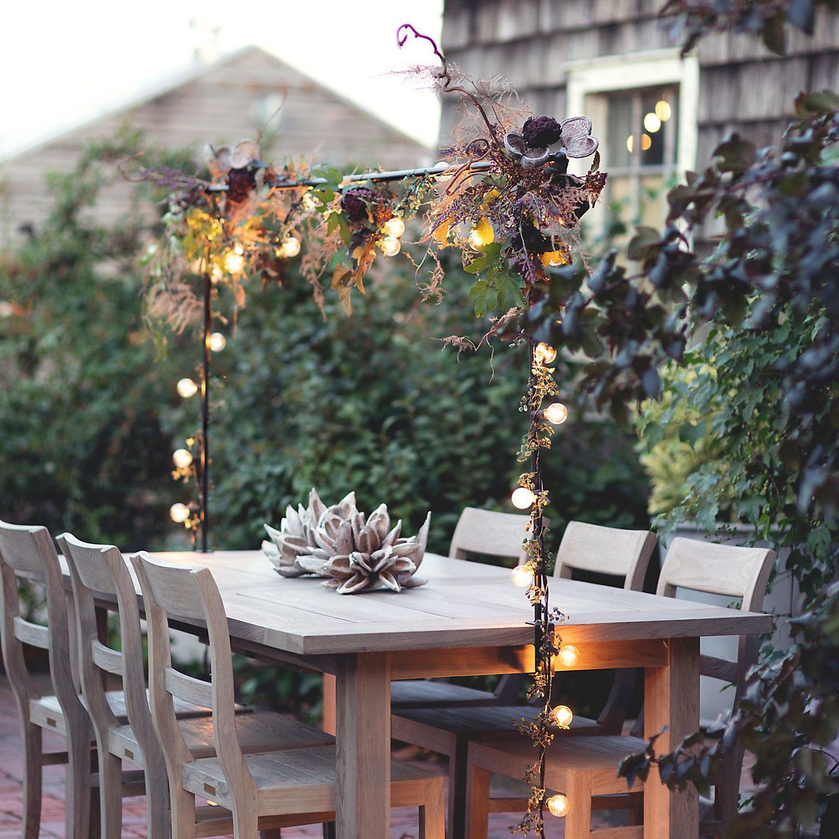 Holiday Decor: The Over-the-Table Rod from Terrain