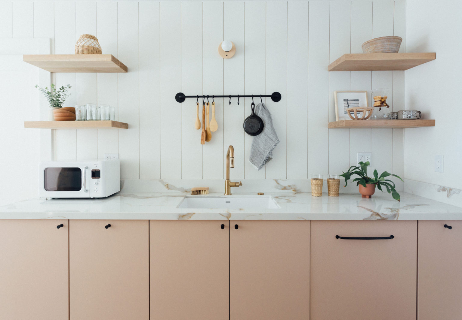 Kitchen of the Week: Ikea Meets Semihandmade in a Shell Pink Beach House Kitchen
