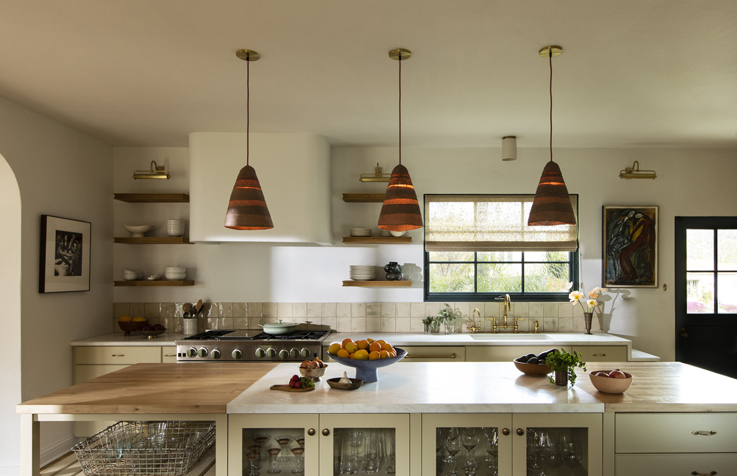 Steal This Look: A Los Angeles Architect's Low Key but Elegant Kitchen