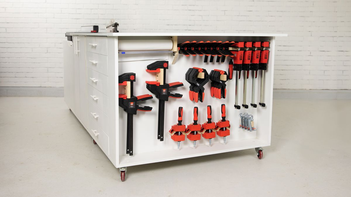 Mobile Workbench with Clamp Rack