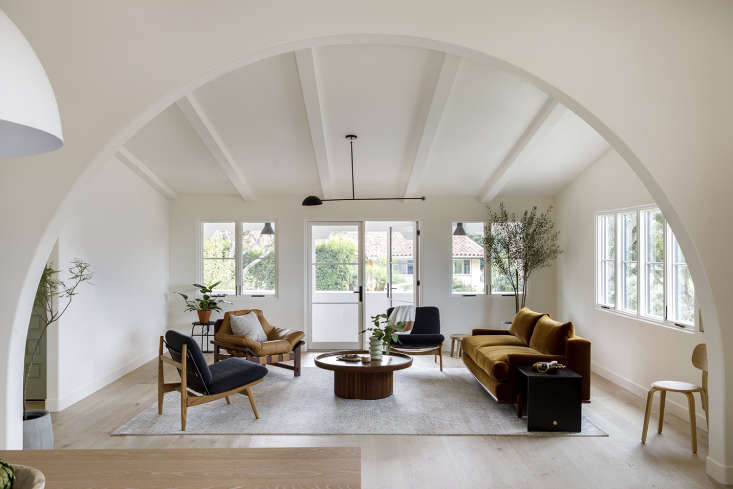 10 Favorites: The Allure of the Modern Interior Archway