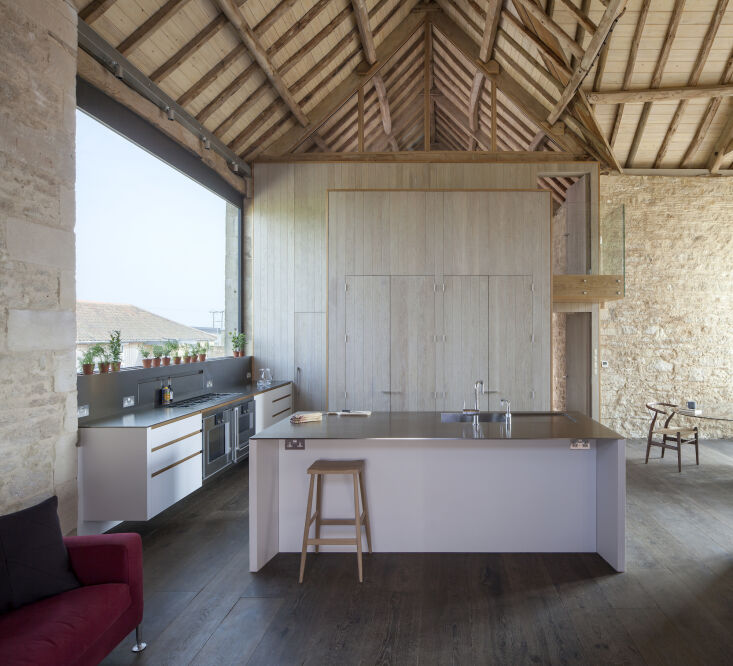 Kitchen of the Week: A Modern Barn Conversion in the English Countryside