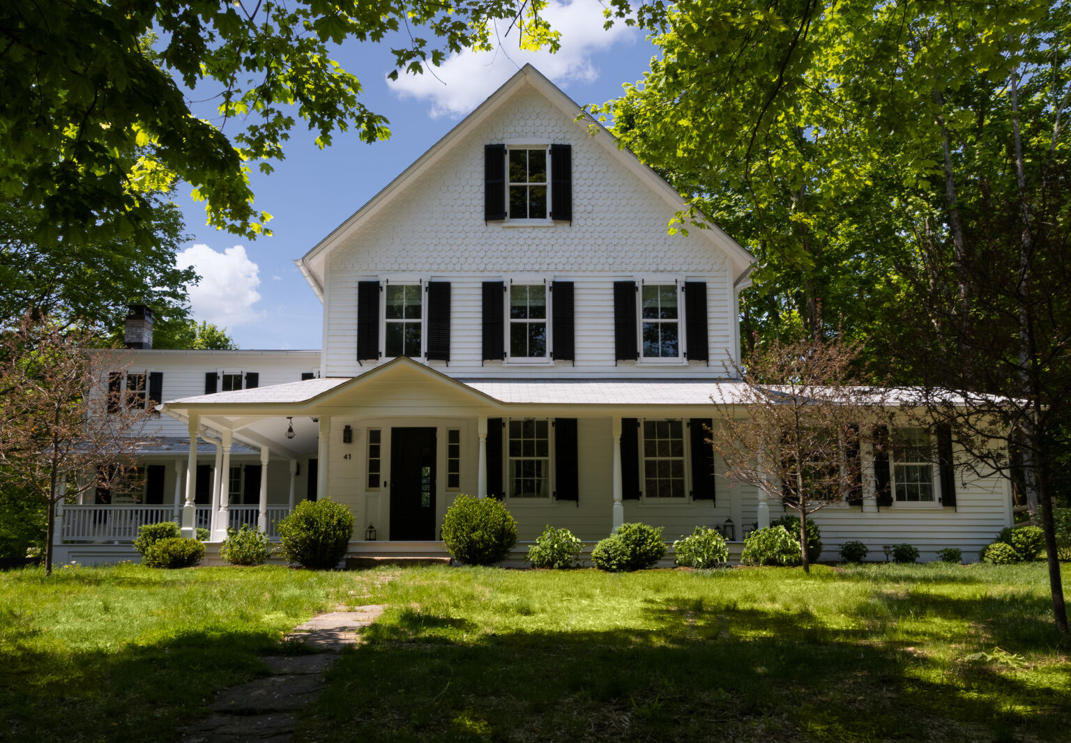 New English: A Falling-Down 1850s Farmhouse in Westchester, Transformed by a Pair of Designers